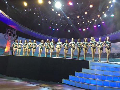 Miss Earth 2016: Nam Em truot mat tam ve vao top 4 trong tiec nuoi vi loi cua… phien dich? - Anh 7