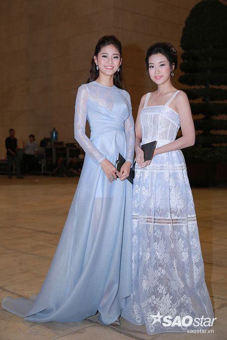 Dan my nhan Viet long lay khoe dang, do sac tren tham do show dien thoi trang - Anh 8