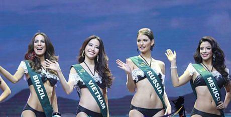 Nam Em dung chan o top 8 Hoa hau Trai dat 2016 - Anh 3