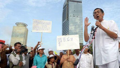 Hoang than Campuchia doa roi dang doi lap CNRP - Anh 1