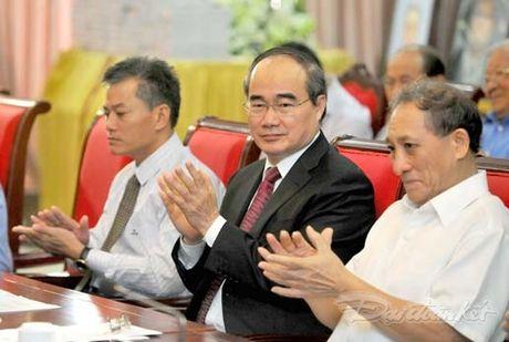 Them mot cuon sach minh chung cho tinh huu nghi Viet - Trung - Anh 8