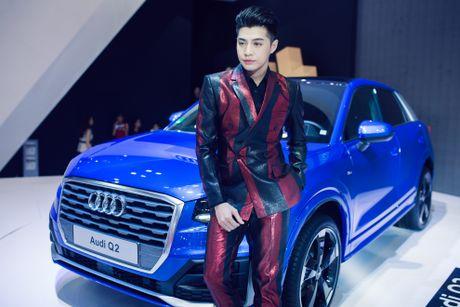 Thuy Tien goi cam ben dan xe sang Audi - Anh 8