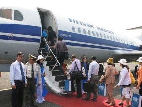 34 khach Nhat nghi bi ngo doc thuc pham:Thu tuong yeu cau lam ro - Anh 1
