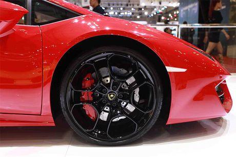 Chiem nguong 'Khung long tam sac' Lamborghini Huracan LP 580-2 - Anh 7