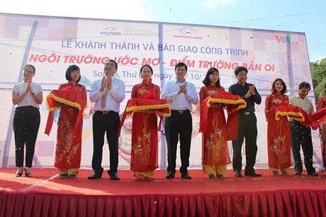 Bao dien tu VOV khanh thanh lop hoc mam non Ban Oi - Son La - Anh 1