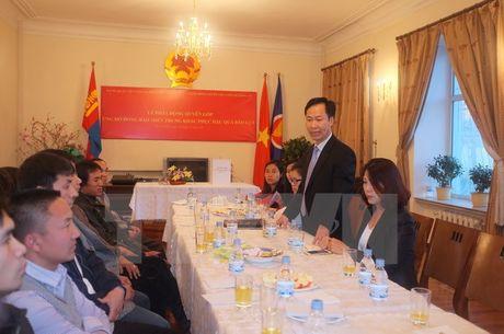 Cong dong nguoi Viet tai Phap va Mong Co huong ve mien Trung - Anh 1