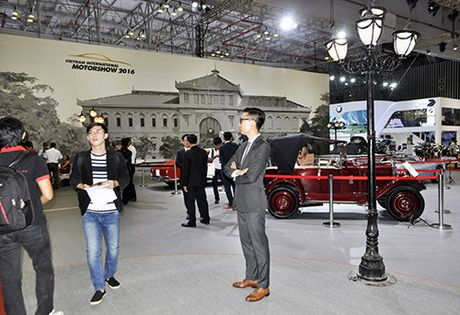 Motoshow 2016: Hon 56.000 luot khach sau 3 ngay - Anh 2
