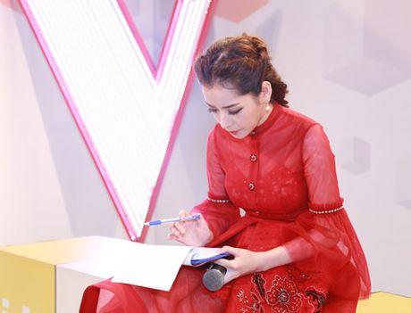 Dong Nhi va ban trai de trong ghe nong khien The Voice Kids 'nao loan' - Anh 7