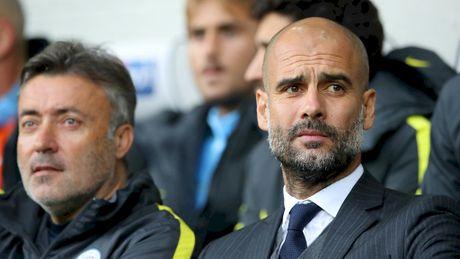 Thang tro lai, Guardiola thua nhan Premier League khoc liet - Anh 1