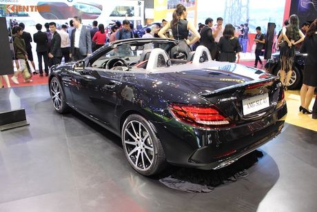 Can canh Mercedes-AMG SLC 43 gia 3,619 ty tai VN - Anh 10