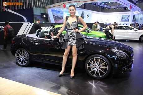 Can canh Mercedes-AMG SLC 43 gia 3,619 ty tai VN - Anh 1