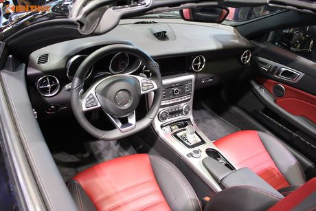 Can canh Mercedes-AMG SLC 43 gia 3,619 ty tai VN - Anh 5