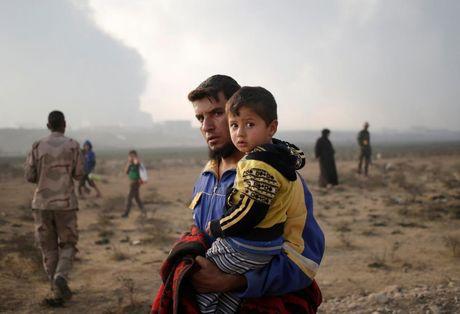 Nhung tre em Iraq dang thuong chay loan o Mosul - Anh 10