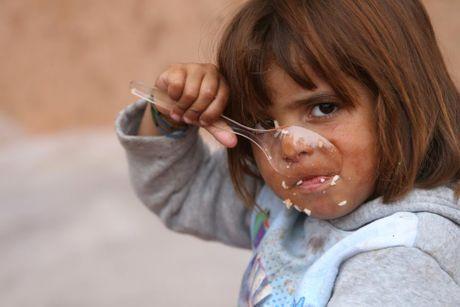 Nhung tre em Iraq dang thuong chay loan o Mosul - Anh 2