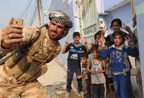 Nhung tre em Iraq dang thuong chay loan o Mosul - Anh 4