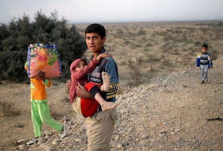 Nhung tre em Iraq dang thuong chay loan o Mosul - Anh 8