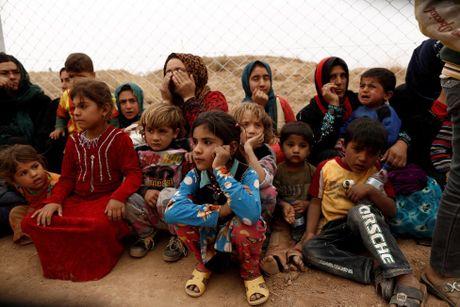 Nhung tre em Iraq dang thuong chay loan o Mosul - Anh 9