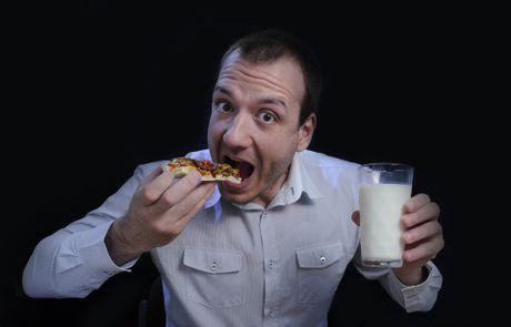 Banh pizza 'cay hon ca dia nguc' chi danh cho le Halloween - Anh 2