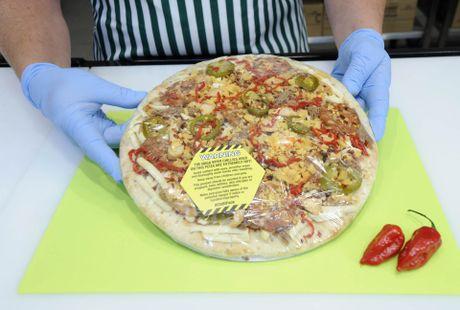 Banh pizza 'cay hon ca dia nguc' chi danh cho le Halloween - Anh 4