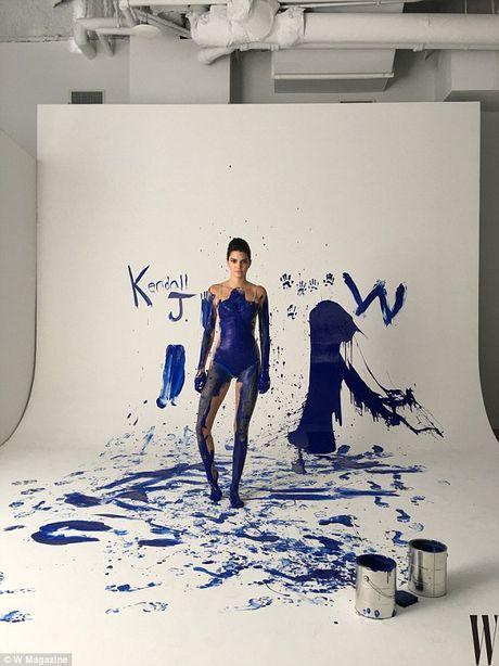 Kendall Jenner mat dau goi vi photoshop - Anh 6