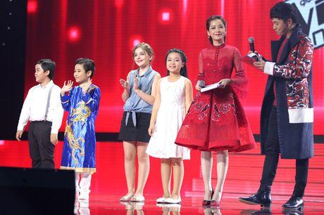 Cau be me cheo Nhat Minh dang quang Quan quan 'Giong hat Viet nhi 2016' - Anh 2