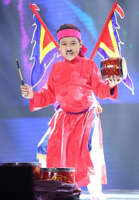 Cau be me cheo Nhat Minh dang quang Quan quan 'Giong hat Viet nhi 2016' - Anh 8