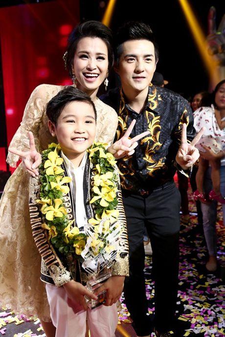 Trinh Nhat Minh dang quang hoan toan thuyet phuc tai Giong hat Viet Nhi 2016 - Anh 2