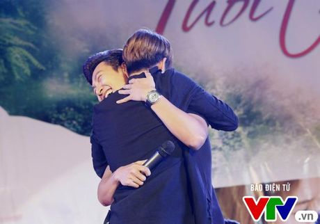 """Hon Nha Phuong bat thanh, Kang Tae Oh """"tay trong tay"""" voi Manh Truong - Anh 8"""