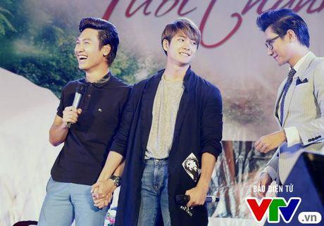 """Hon Nha Phuong bat thanh, Kang Tae Oh """"tay trong tay"""" voi Manh Truong - Anh 9"""