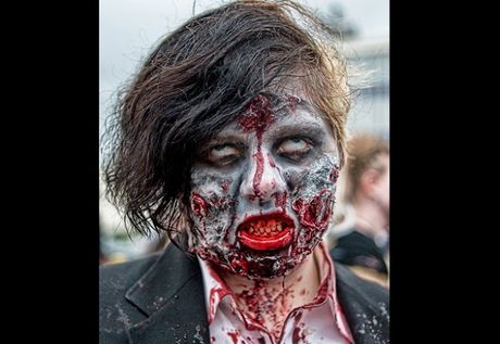 Kieu hoa trang Halloween kinh di khien nguoi xem 'son gai oc' - Anh 8