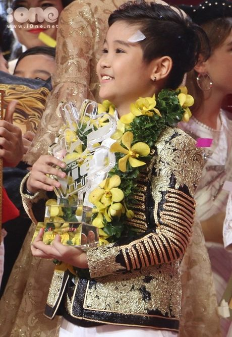 Trinh Nhat Minh len ngoi quan quan Giong hat Viet Nhi 2016 - Anh 2