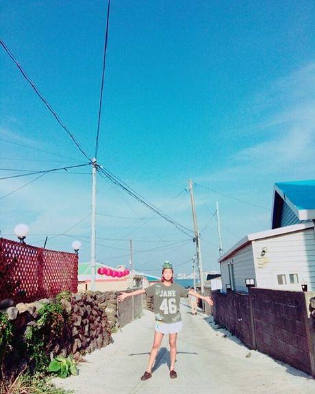 Sao Han 30/10: Tae Yeon lo noi y tao bao, Yuri mat venh mat liec day thai do - Anh 1