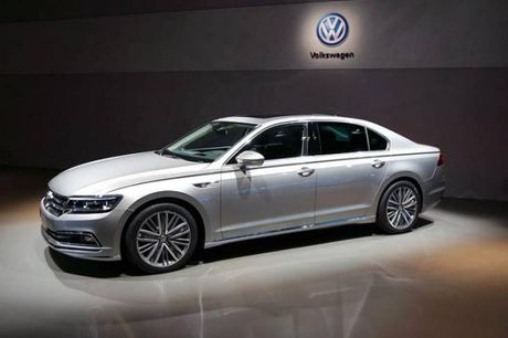 Volkswagen Phideon-mau sedan the thao da phong cach gia 1,1 ty dong - Anh 4