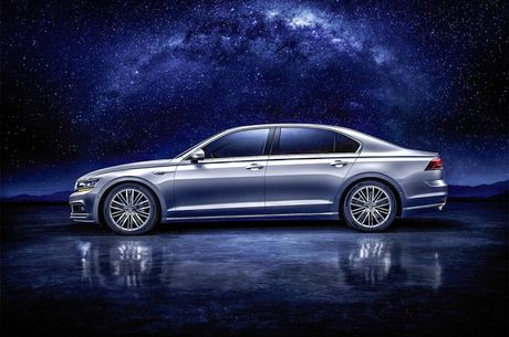 Volkswagen Phideon-mau sedan the thao da phong cach gia 1,1 ty dong - Anh 6