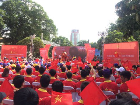 Khai mac chuong trinh Tu hao hang Viet Nam nam 2016 - Anh 1