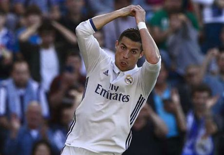Goc chien thuat Alaves – Real: Chiec lo xo Ronaldo - Anh 1