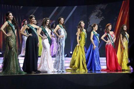 Nam Em khong trach loi nguoi phien dich do BTC Miss Earth sap xep - Anh 4