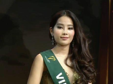Hoa hau Trai dat 2016: Nam Em len tieng viec truot khoi Top 4 do... loi phien dich! - Anh 4