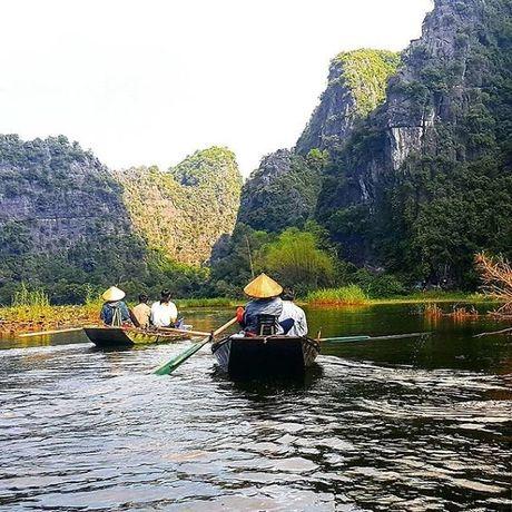 Khach Tay bo 200 USD trai nghiem ve dep doc Viet Nam - Anh 1