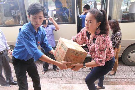 500 trieu dong ho tro dong bao Ha Tinh khac phuc hau qua mua lu - Anh 7