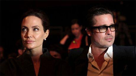 Jolie-Pitt lan luot ban het nha cua sau khi chia tay - Anh 3