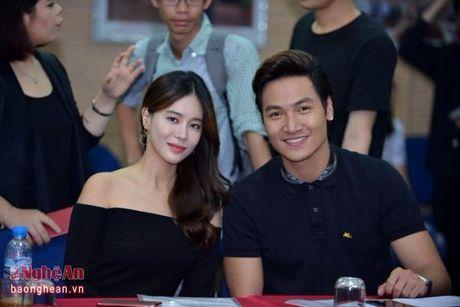 Nha Phuong va Kang Tae Oh than mat trong buoi giao luu voi sinh vien - Anh 4