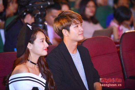 Nha Phuong va Kang Tae Oh than mat trong buoi giao luu voi sinh vien - Anh 5