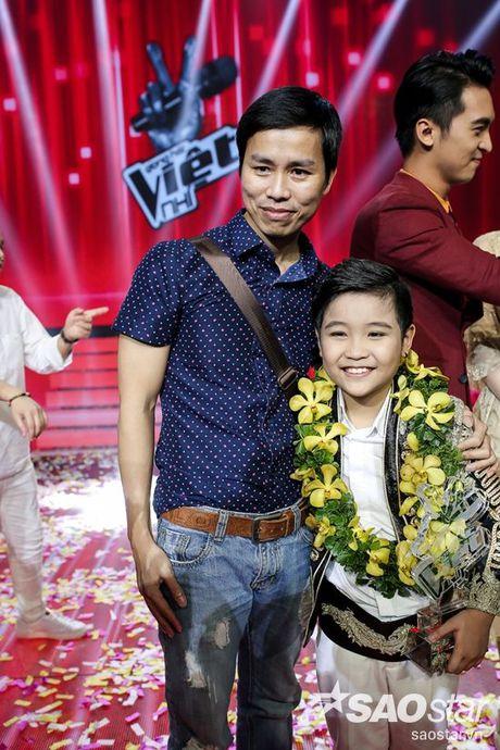 Bo Nhat Minh: 'Chua bao gio nghi se dinh huong cho con di hat kiem tien' - Anh 2