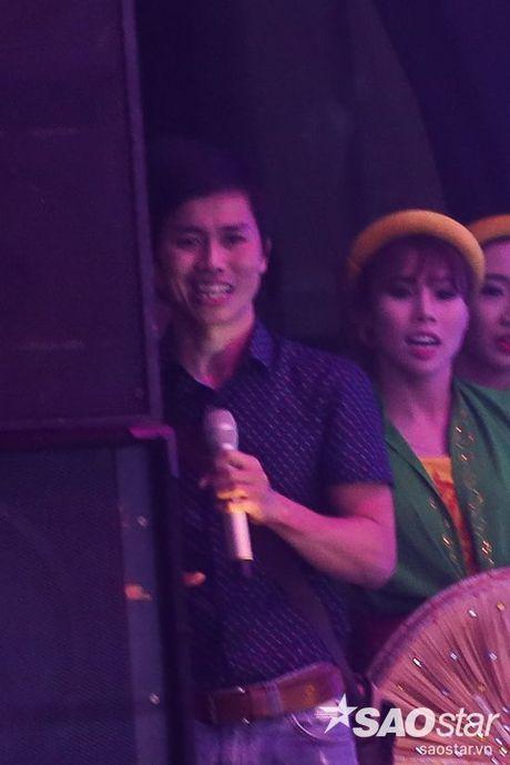 Bo Nhat Minh: 'Chua bao gio nghi se dinh huong cho con di hat kiem tien' - Anh 3