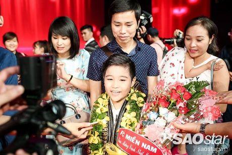 Bo Nhat Minh: 'Chua bao gio nghi se dinh huong cho con di hat kiem tien' - Anh 5
