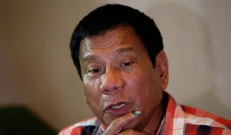 Philippines pha am muu danh bom gan noi Tong thong Duterte du hop - Anh 1