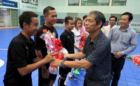 Tung bung khai mac giai Futsal nu TP.HCM mo rong - Anh 2