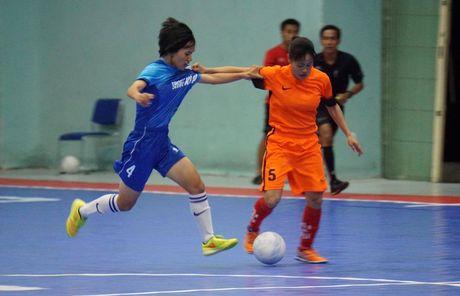 Tung bung khai mac giai Futsal nu TP.HCM mo rong - Anh 4