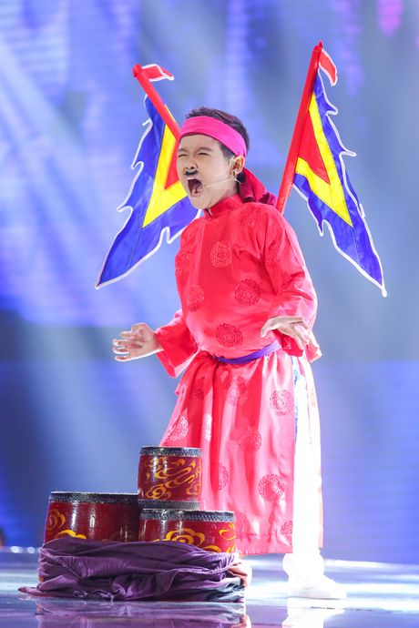 Noo Phuoc Thinh hoa hoc sinh lop 3, song ca voi tro cung - Anh 4